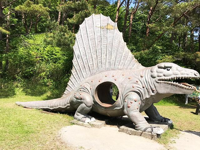 小室山公園の恐竜 ディメトロドン
