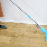 手軽に床の汚れ落としができるスプレーモップライトで大掃除も楽チンだよ